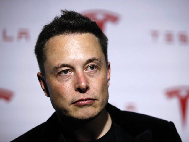 Tesla hedh në gjyq një ekzekutiv kompanie, shtirej si Elon Musk