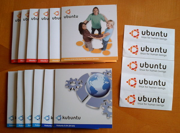 ubuntu_and_kubuntu_cds_by_grandmorris
