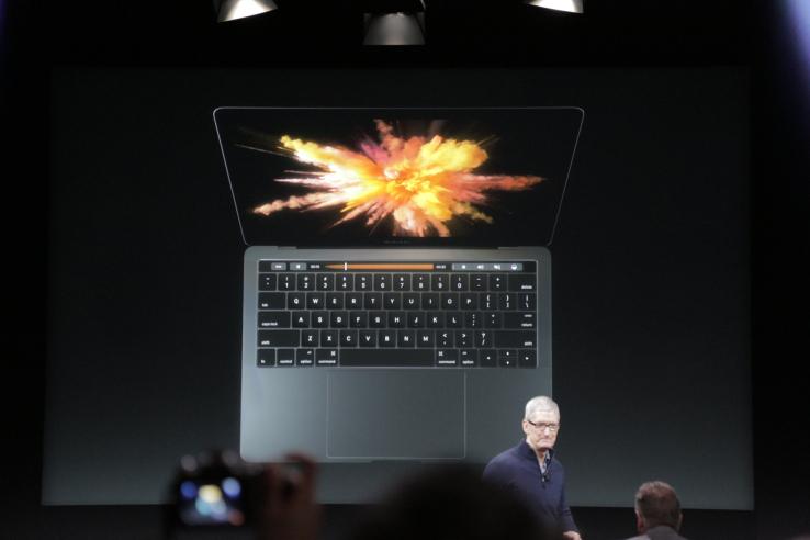 Apple prezantoi laptopin e ri MacBook Pro me kosto fillestare 1,799 dollar