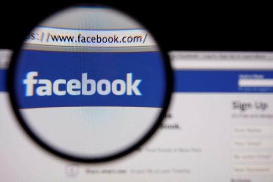 """Rrjeti social Facebook mësyhet nga malueri """"Eko,"""" dhjetëra përdorues në Francë të infektuar"""