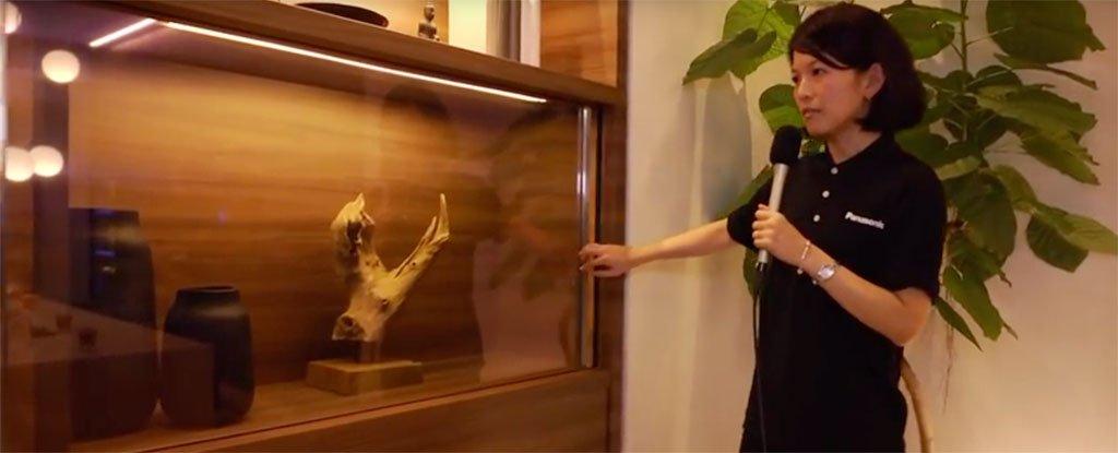 Panasonic prezantoi një televizor të padukshëm