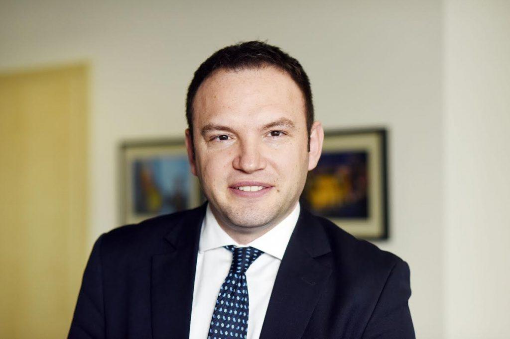 Intervistë me Kryetarin e ARKEP, Kreshnik Gashi: Kodi telefonik shtetëror i Kosovës garanton konkurrencë në nivel të shërbimeve
