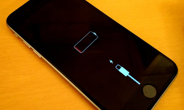 Apple konfirmon një defekt me baterinë e iPhone 6S, premton riparimin falas