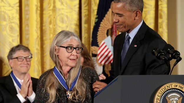 Obama dekoron me Medaljen e Lirisë zhvilluesen e softuerit të anijes hapësinore Apollo, Margaret Hamilton