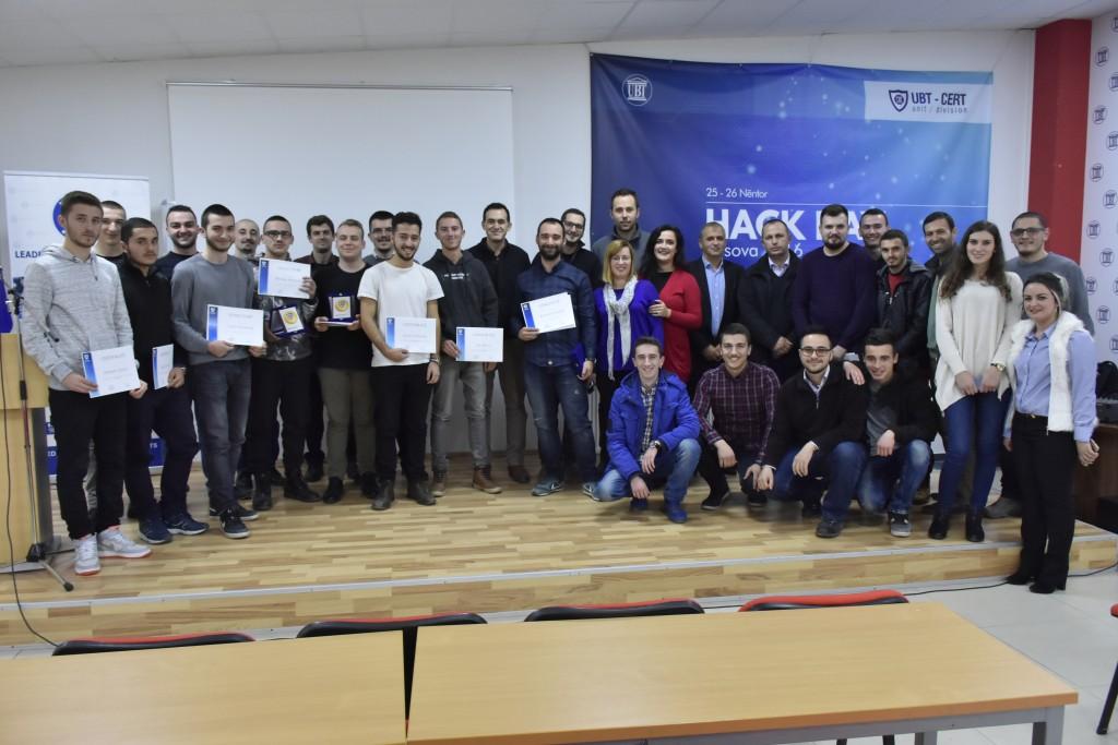 Finalizohet Hack Day Kosova 2016, UBT shpërblen fituesit me bursa, trajnime dhe certifikime