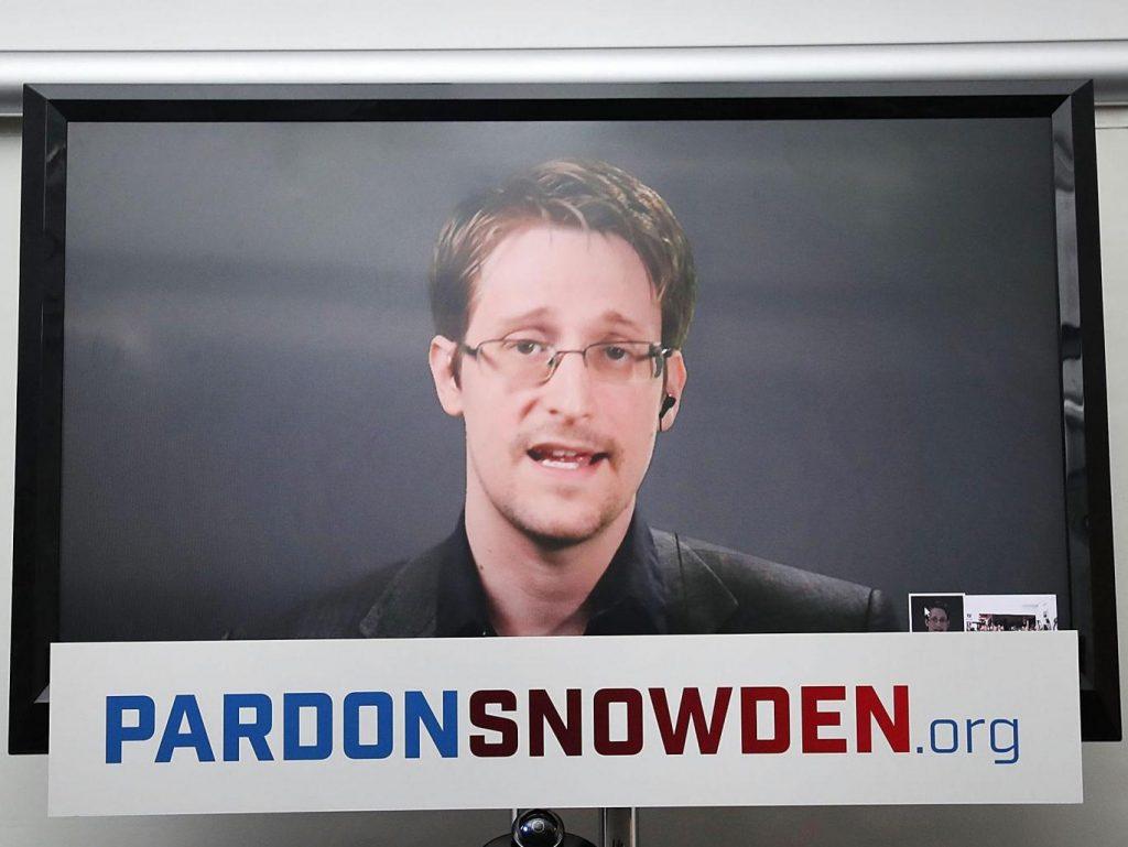 snowden-pardon