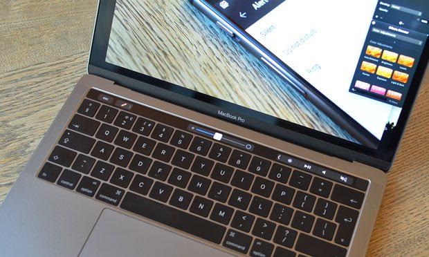 MacBook Pro 13 inç: A ja vlen të sakrifikosh për një Touch Bar?