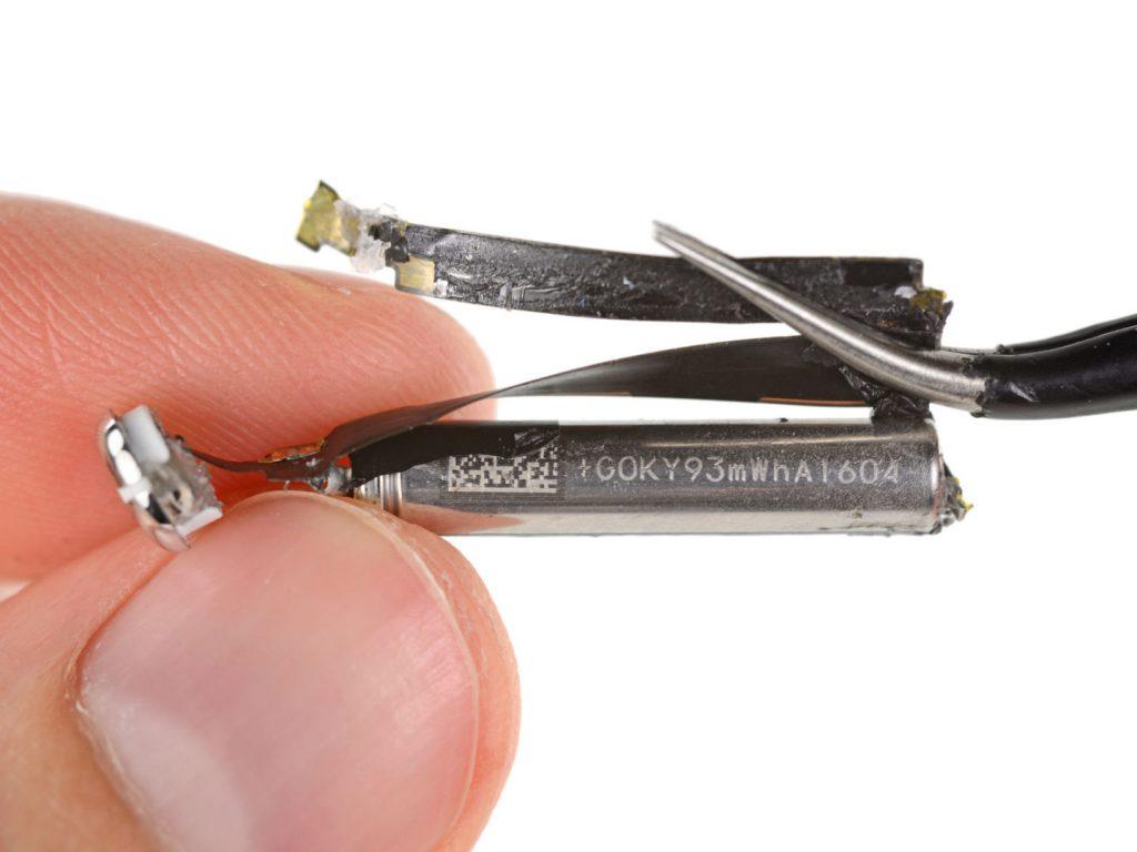 airpod-battery-1440x1080
