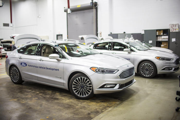 ford_self-driving_car_fleet-100701277-large
