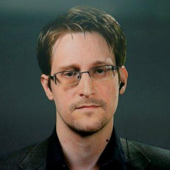 Shtyhet qëndrimi i Snowden në Rusi edhe për tre vite të tjera