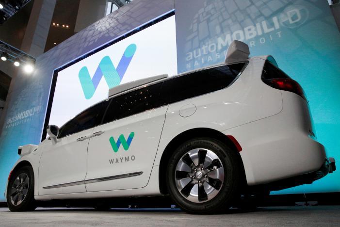 Google prezantoi makinën më të fundit me sistem vetëdrejtimi, Chrysler Pacifica