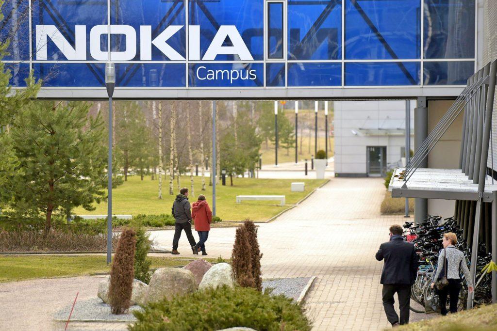Raportohet se Nokia po punon në një asistent virtual
