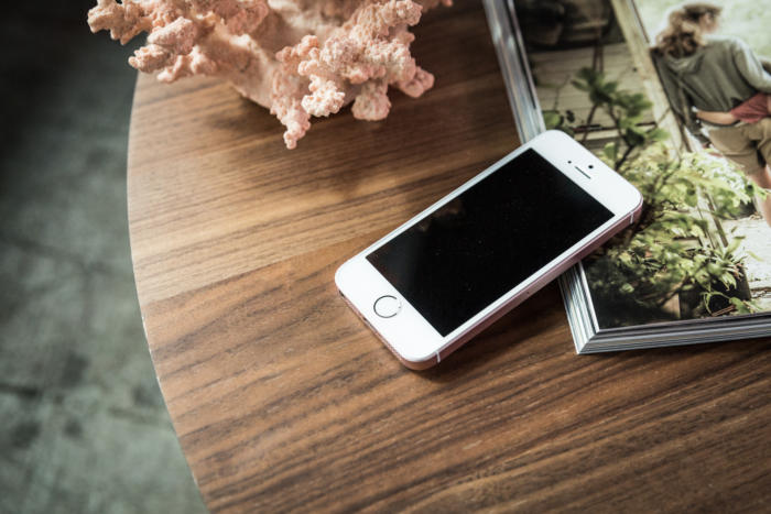iphone-se-100700260-large