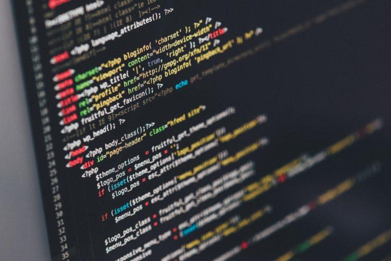 Një programues nga Hollanda ndërton mijëra uebsajte me skripte përgjuese