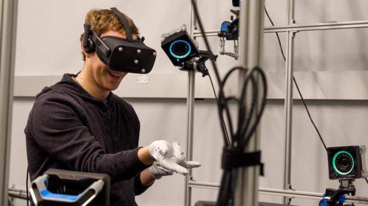 Zuckerberg demostroi dorashkat virtuale të zhvilluara nga Oculus