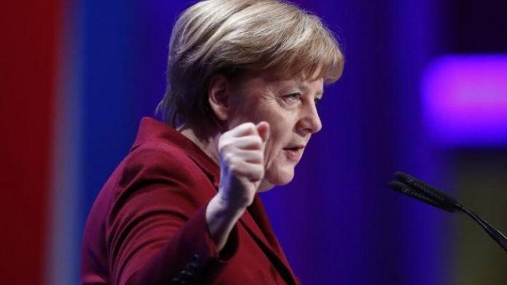 Angela Merkel e shqetësuar për sulmet kibernetike ndaj infrastrukturave